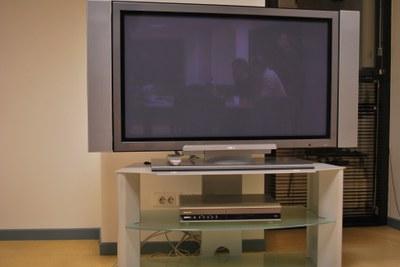 La grosse TV...pour les soirée bière-foot ! (même pas en cauchemar !)